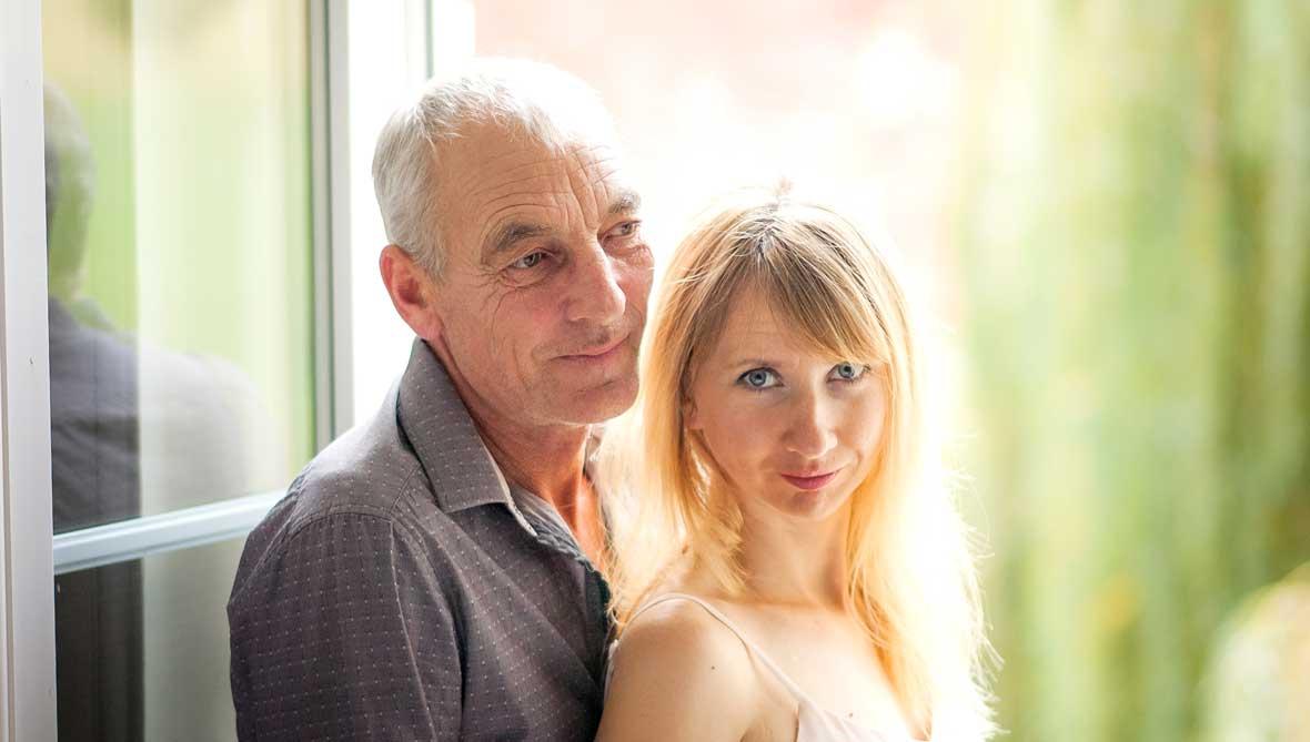 Warum stehen Frauen auf ältere Männer?